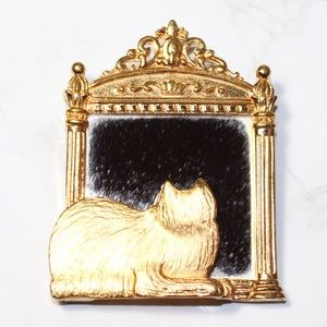 JJ Vintage Cat in Mirror Brooch Pin